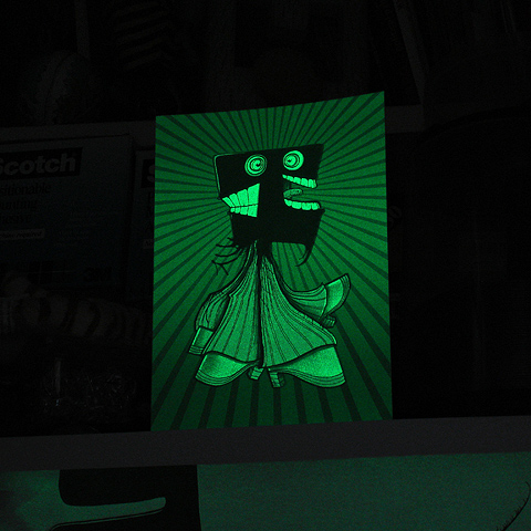 Halloween-Card-Glow-square